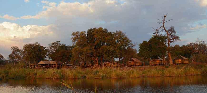 camp-linyanti-accommodation-wide3.jpg