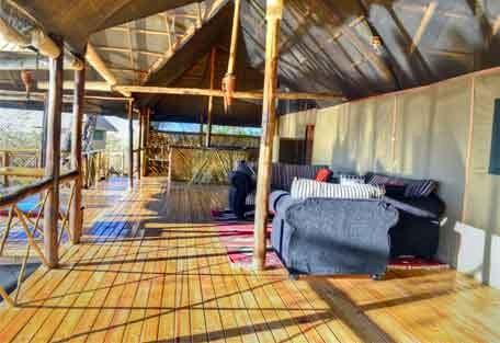 456_camplinyanti_lounge.jpg