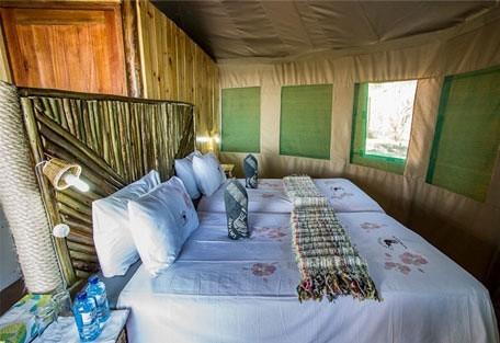 3-Camp-Linyanti-tent-interior.jpg