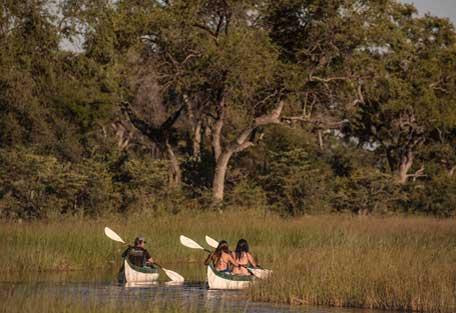 4-Motswiri-canoe-safari-experience2.jpg