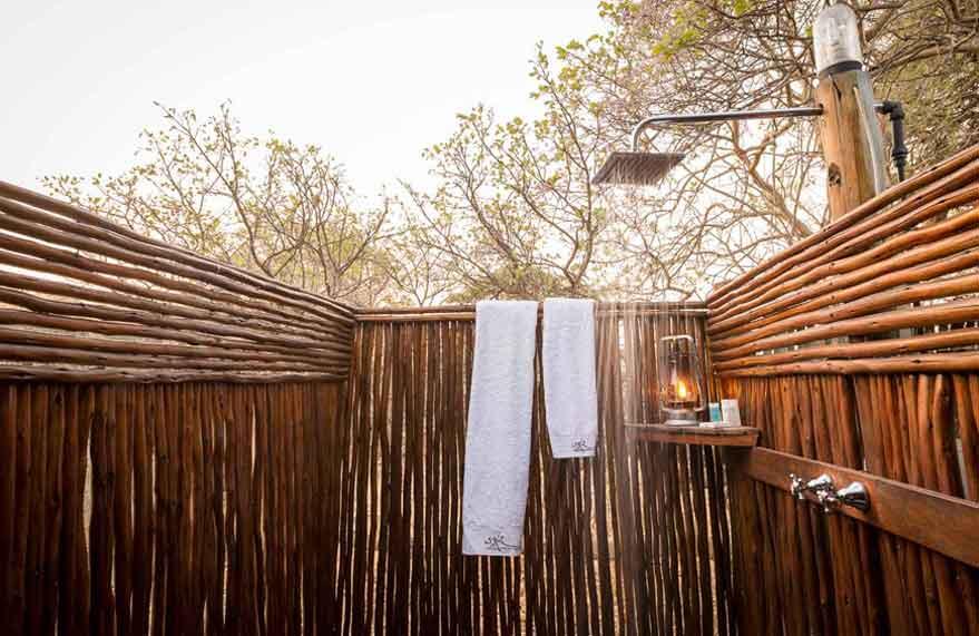 camp-savuti-accommodation-wide3.jpg