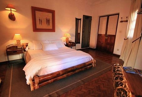456c_lepavillon_bedroom.jpg