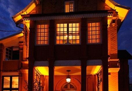 456i_lepavillon_facade.jpg