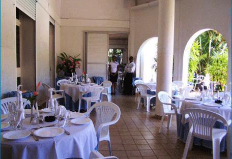 456x_hotelneptune_dining.jpg