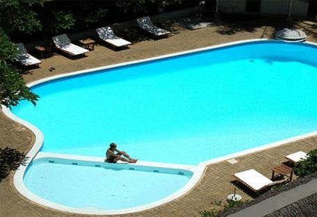456y_hotelneptune_pool.jpg