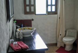456_litchi_bathroom.jpg
