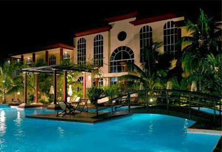 456_grandhotel_swimmingpool.jpg