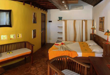 456_orangea_room2.jpg