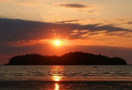 456i_tsarabanjina_sunset.jpg