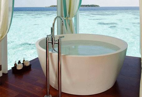 456d_anantara-kihavah_bathroom.jpg