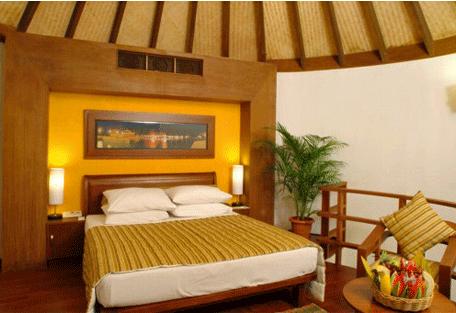 456d_bandos-island-resort_bedroom.jpg