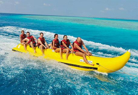 456h_bandos-island-resort_banana-boat-ride.jpg
