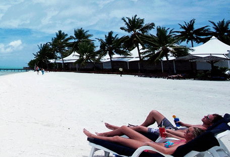 456i_chaaya-lagoon_beach.jpg