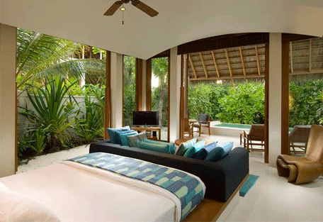 456g_conrad-maldives_bedroom2.jpg