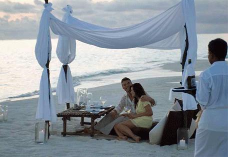 456o_conrad-maldives_romantic.jpg