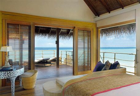 456h_constance-moofushi-resort_senior-water-villa-bedroom.jpg