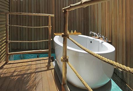 456i_constance-moofushi-resort_senior-water-villa-bathroom.jpg