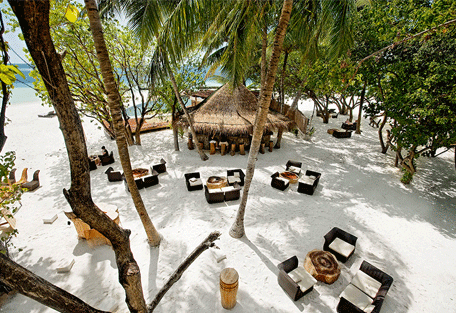 456o_constance-moofushi-resort_restaurant-totem-bar.jpg
