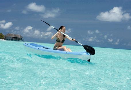 456q_constance-moofushi-resort_canoeing.jpg