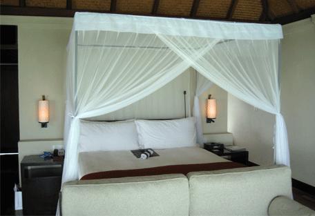 456b_four-seasons-resort_bedroom.jpg