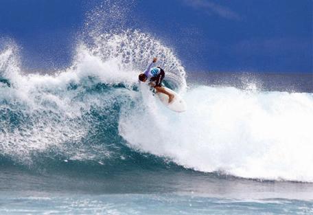 456k_four-seasons-resort_surfing.jpg