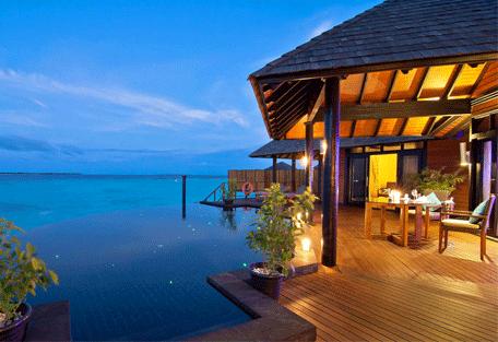 456g_hilton-maldives-iru-fushi_deck.jpg