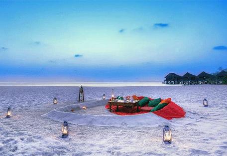 456g_kuredu-island-resort_dinner2.jpg