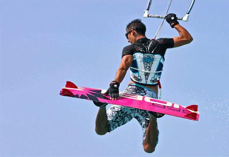 456k_kuredu-island-resort_kite-and-wind-surfing.jpg