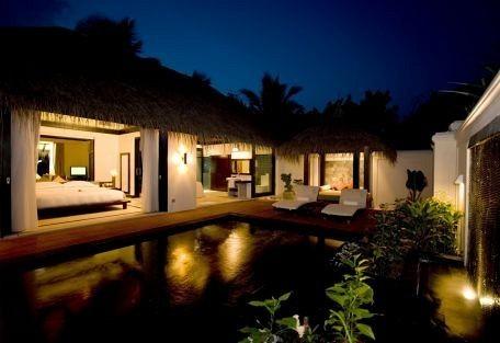 456f_manafaru-beach-house_night.jpg