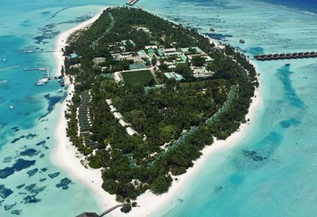 456a_meeru-island-resort_aerial-view.jpg