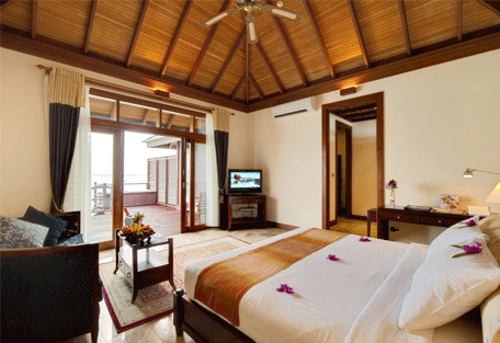 456a_olhuveli-beach_bedroom.jpg