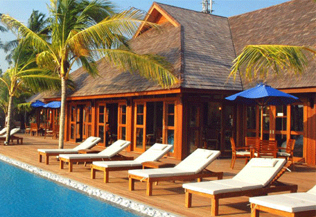 456e_olhuveli-beach_suites-pool.jpg