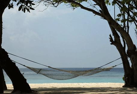 456j_soneva-fushi_hammock-and-view.jpg