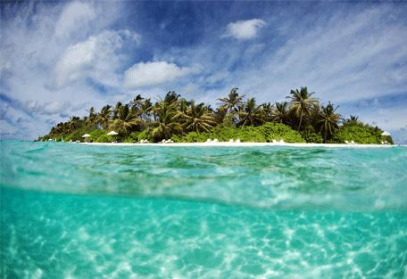 456a_velassaru-beach_water.jpg