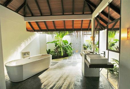 456d_velassaru-beach_bathroom.jpg