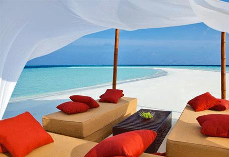 456j_velassaru-beach_lounge-beach.jpg