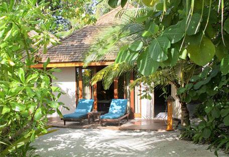 456a_veligandu-island_beach-villa-exterior.jpg