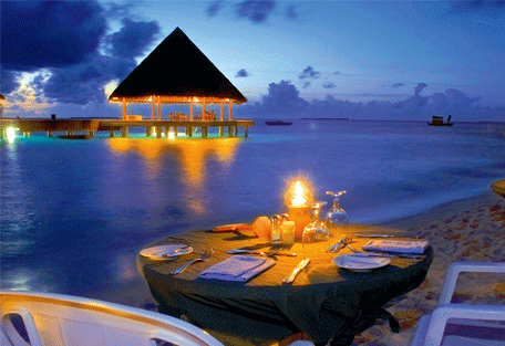456d_vilu-reef-beach_romantic-dinner.jpg