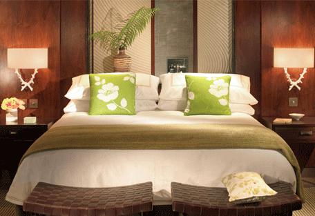 456b_four-seasons-resort_bed.jpg