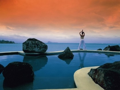 04-pool-at-sunset.jpg