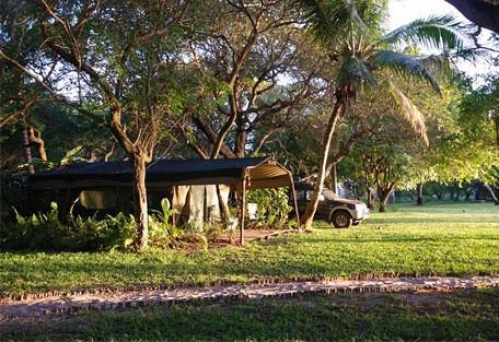 456b_villa-nbanga_tent.jpg