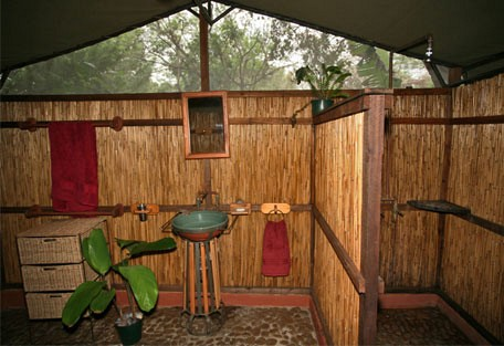456d_villa-nbanga_bathroom.jpg