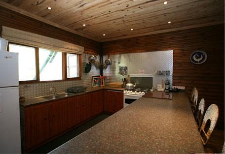 456f_villa-nbanga_kitchen.jpg