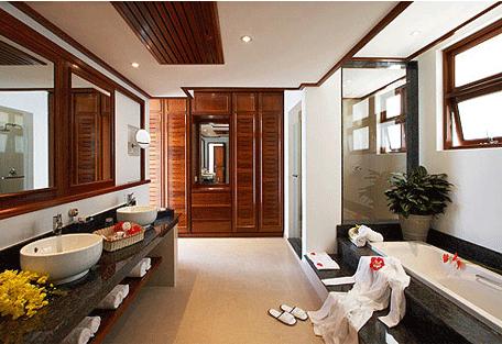 456d_la-reserve_bathroom.jpg