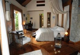 456a_le-domaine_bedroom.jpg