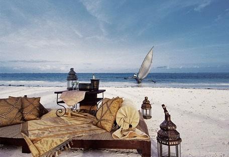 456g_breezesbeachclub_beach.jpg