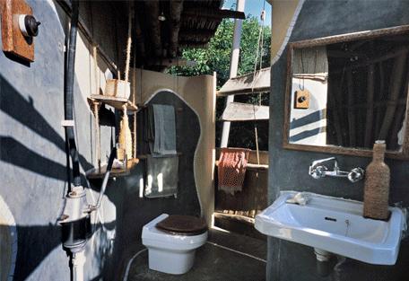 456f_chumbe-island_bathroom.jpg