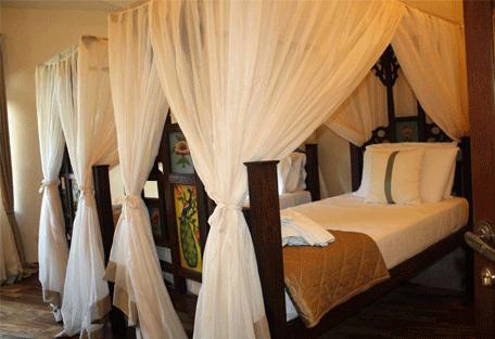 456a_essque-residences-zalu_bahari-villa_bedroom.jpg