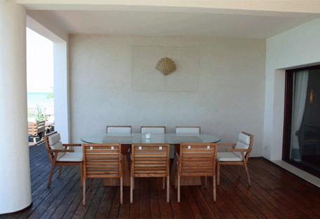 456f_essque-residences-zalu_bahari-villa_deck-area.jpg