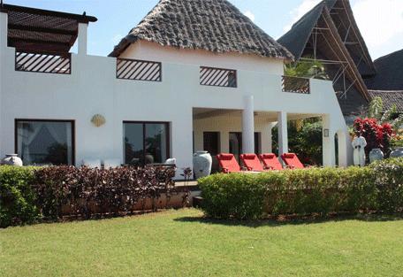 456g_essque-residences-zalu_mchanga-villa_exterior.jpg